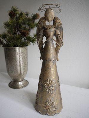 Ängel i metall. Besök Blickfång.se