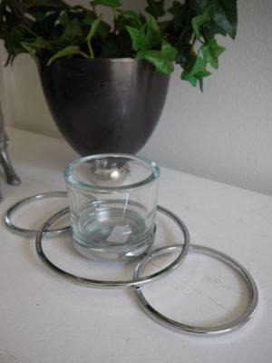 Ljuslykta glas och silver design