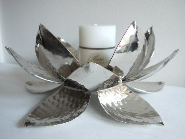 Lotuslykta-till-blockljus-i-silver-1