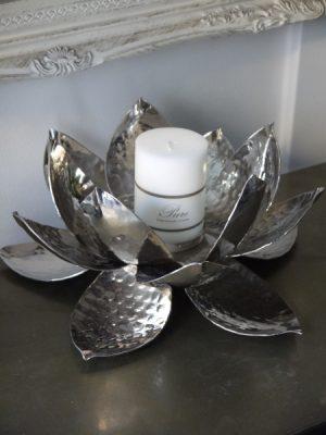Lotuslykta till blockljus i silver