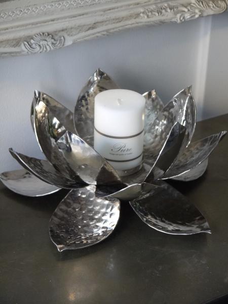 Lotuslykta-till-blockljus-i-silver