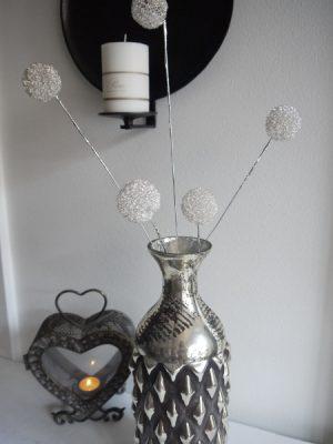 Dekorationskvist med silverbollar
