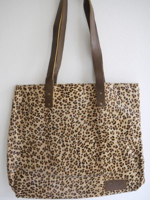 Axelremsväska med leopard mönster