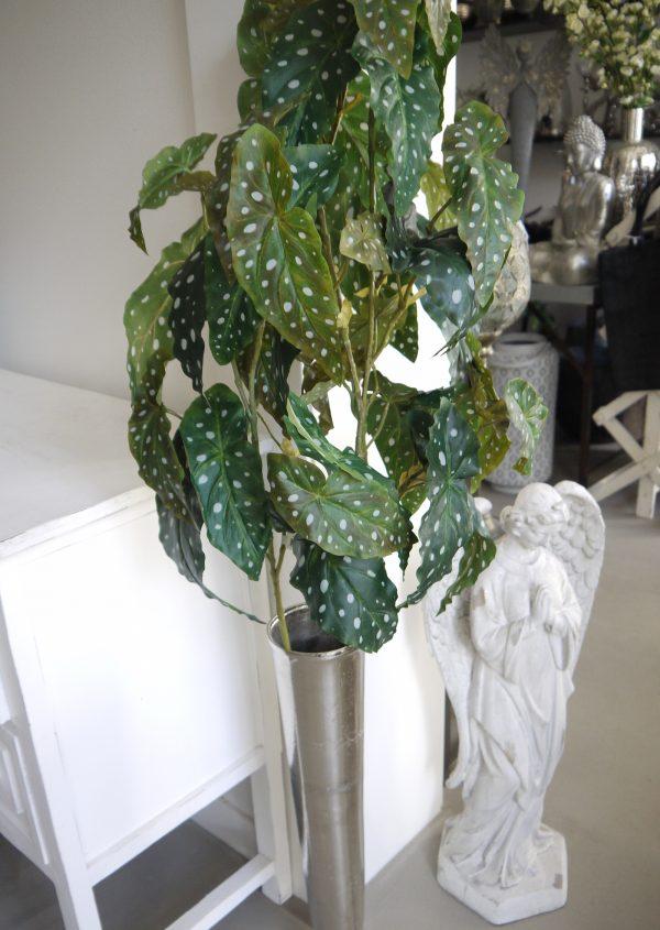 Konstgjord-forell-begonia-gron-kvist-1