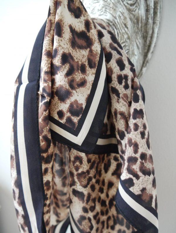 scarf-i-siden-leopardmonster