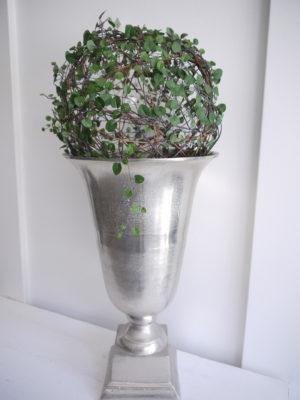 Konstgjord muehlenbeckia slideranka boll. Besök Blickfång.se