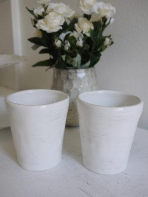 Vit mugg i keramik. Besök Blickfång.se