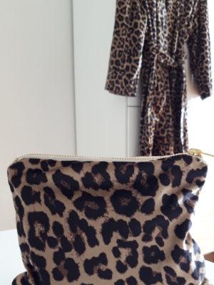 Necessär leopard mönster. Besök Blickfång.se