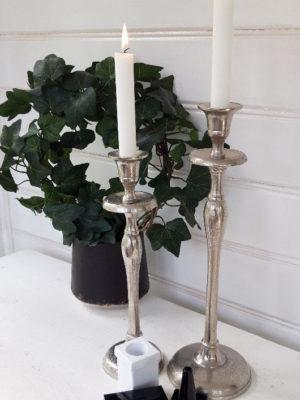 Ljusvässare i metall för stearin ljus. Besök Blickfång.se