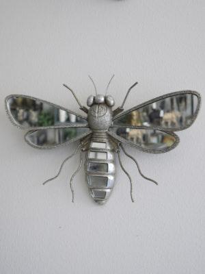 Bi i silver spegel. Besök blickfüng.se