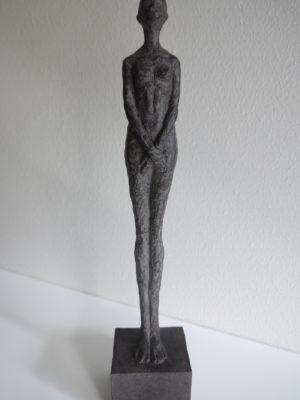 Dam skulptur prydnadssak. Besök Blickfång.se