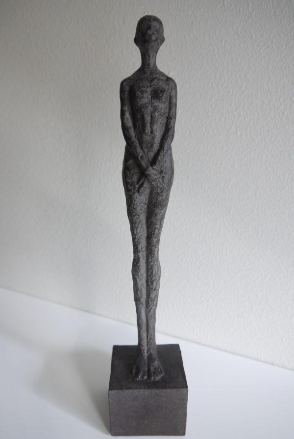 Dam-skulptur-prydnadssak