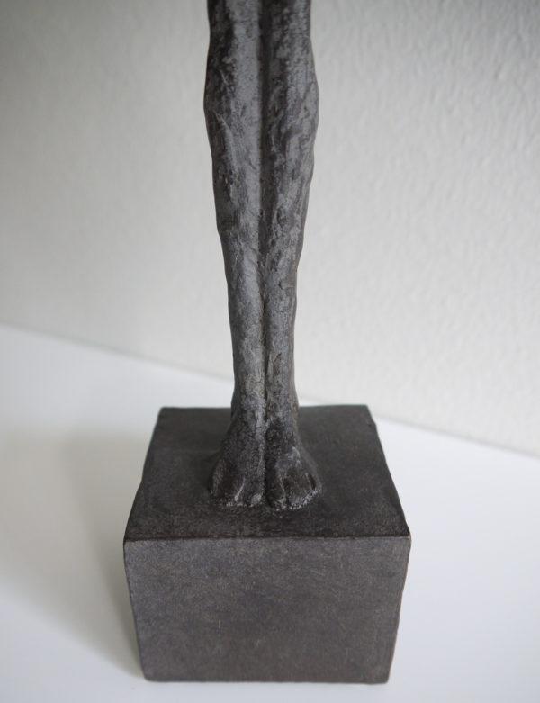 Dam-skulptur-prydnadssak-2