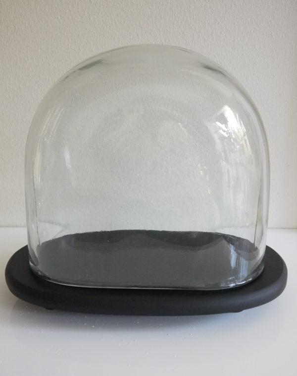 Liten-glasklocka-pa-fat-1