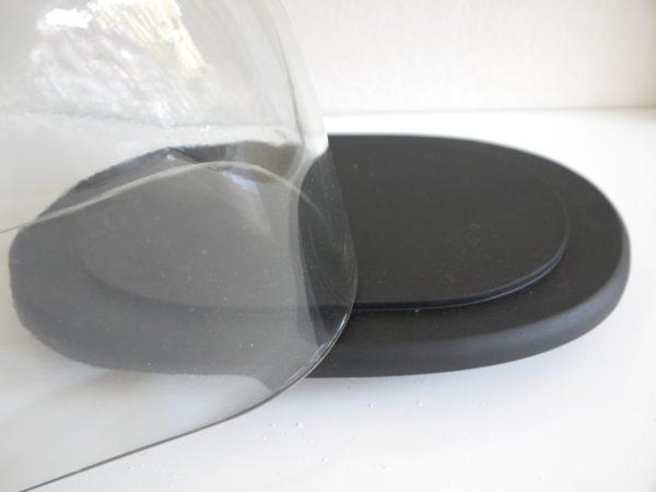 Liten-glasklocka-pa-fat-2