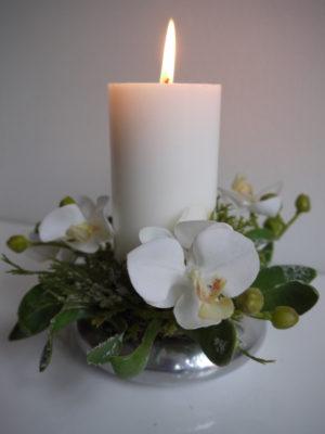 Ljusmanschett vita blommor med frost. Besök Blickfång.se