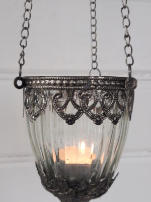 Ampel av glas till värmeljus. Besök Blickfång.se