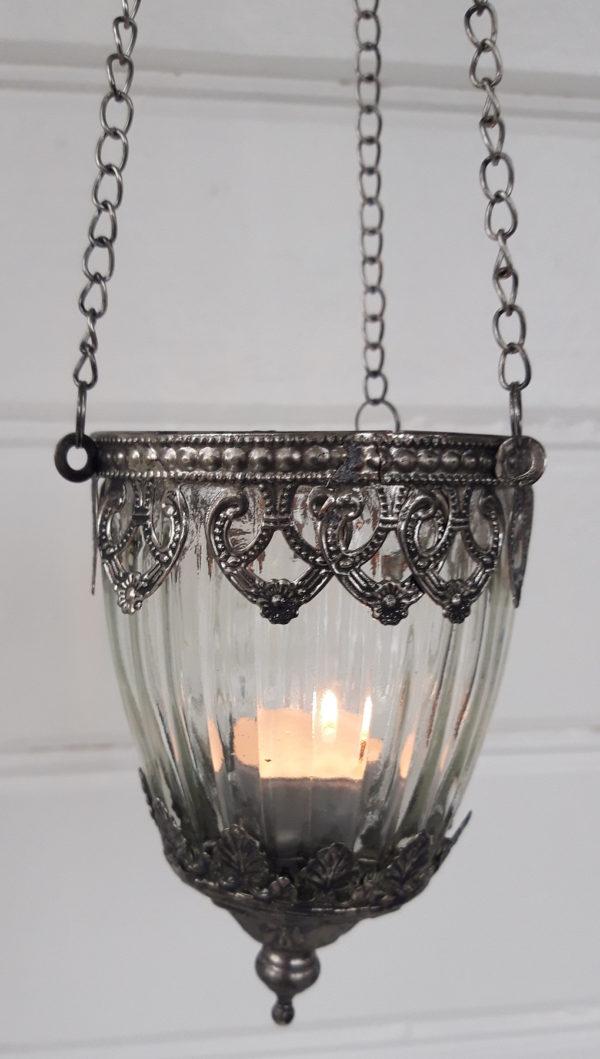 Ampel-av-glas-till-varmeljus
