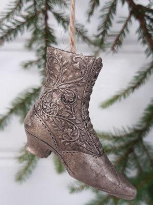 Små skor för upphängning. Besök Blickfång.se
