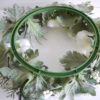 konstgjord-krans-med-vita-blommor-2