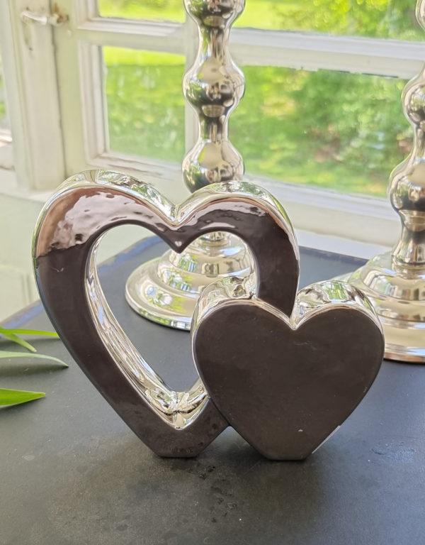 Dubbelt-hjarta-i-silver-for-dekoration-1