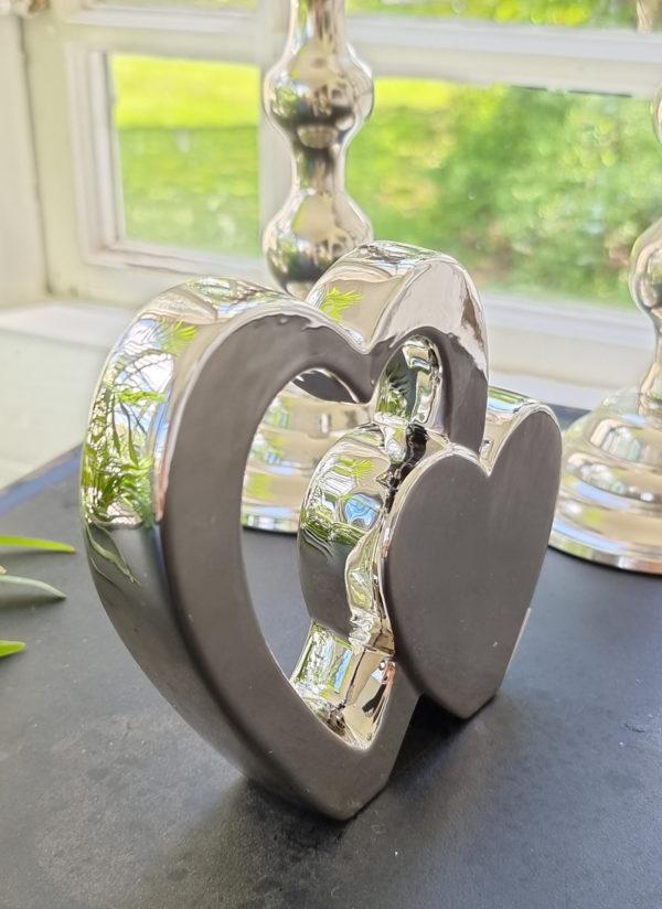 Dubbelt-hjarta-i-silver-for-dekoration-2