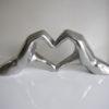 Hjartformade-hander-matt-silver