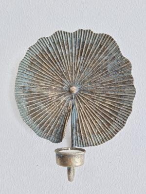 Väggljuslykta antik till värmeljus. Besök Blickfång.se