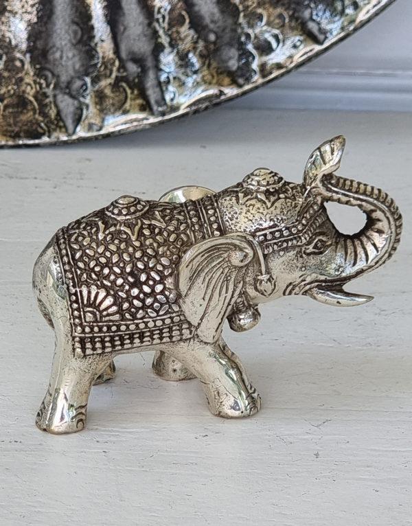 Dekorationsdjur-liten-elefant-i-silver