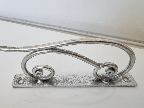 Vaggkrok-i-antik-silver-1