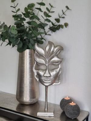 Dekoration mask i silver. Besök Blickfång.se