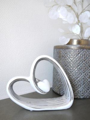 Kärleksfigur hjärta vitt silver. Besök Blickfång.se