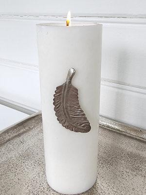 Ljussmycke fjäder i silver. Besök Blickfång.se