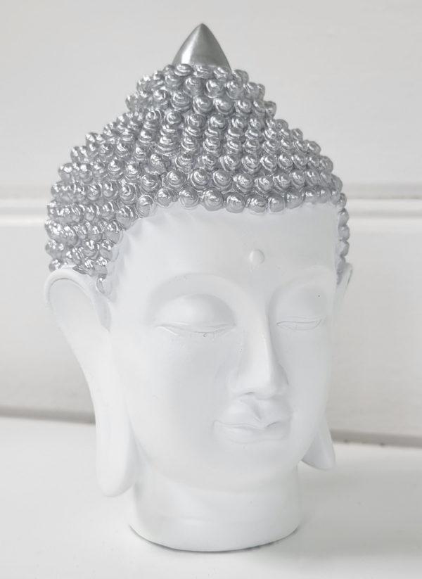 thai-buddha-vitt-ansikte