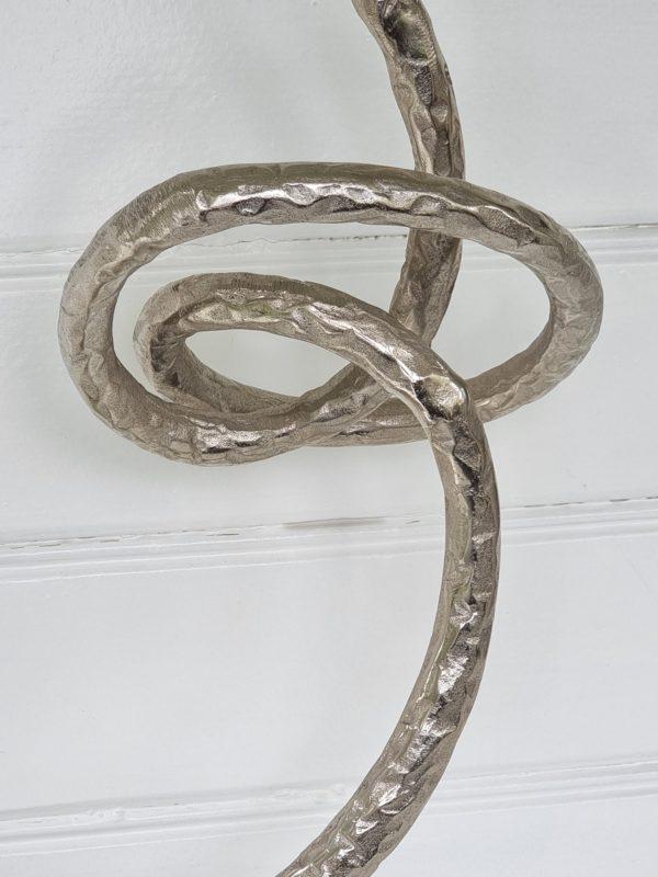 Skulptur-ring-pa-fot-silver-1