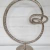 Skulptur ring på fot silver. Besök blickfång.se